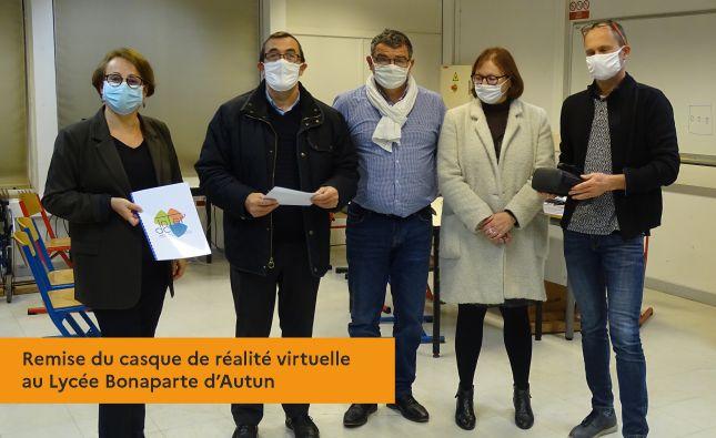 Remise du casque de réalité virtuelle au Lycée Bonaparte d'Autun