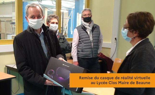Remise du casque de réalité virtuelle au Lycée Clos Maire de Beaune