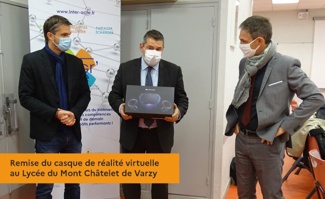 Remise du casque de réalité virtuelle au Lycée du Mont Châtelet de Varzy