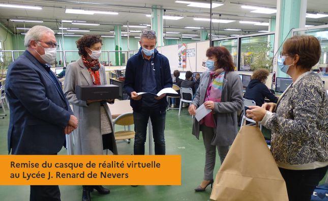 Remise du casque de réalité virtuelle au Lycée J. Renard de Nevers